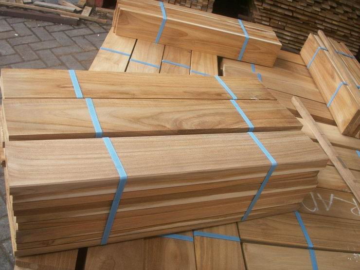 teak decking hand selecting by custom marine carpentry